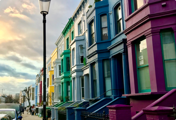 let-your-property colorfully-rowed-houses - Tempocasa